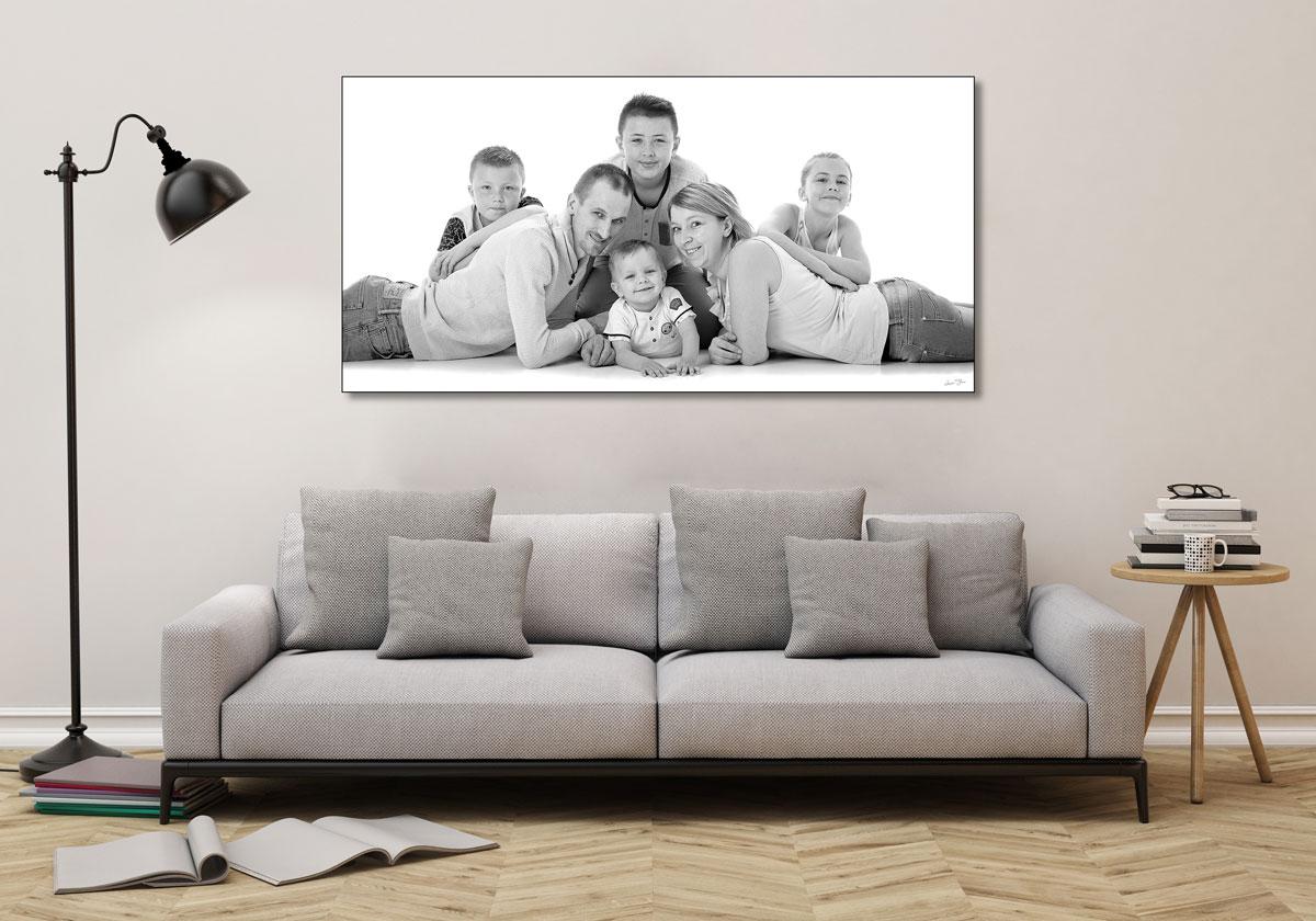 Le Tableau est un bon moyen de savourez une photo de famille dans le salon, et c'est très déco !